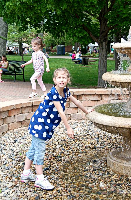Girls fountain
